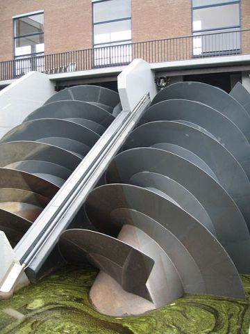 [Image] Archimedes' screw